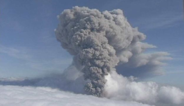 A renewed column of ash rises from Iceland's Eyjafjallajokul volcano, May 8, 2010