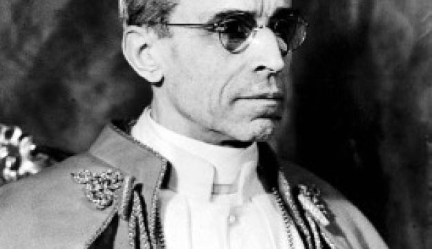 pope pius xii and the holocaust Against john cornwell's book: hitler's pope: the secret history of pius xii, a point by point rebuttal is provided by dr peter gumpel, sj, one of the most.