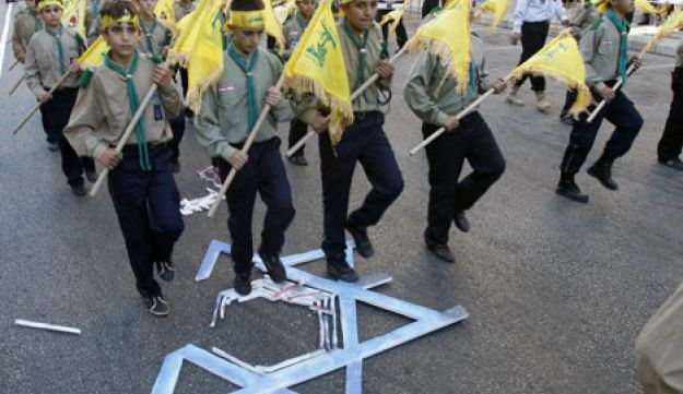Hezbollah scouts on Jerusalem Day - Reuters - August 25 2011