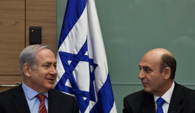 Netanyahu (left) and Mofaz.