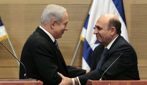 Benjamin Netanyahu and Shaul Mofaz, May 8, 2012.