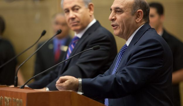Prime Minister Benjamin Netanyahu and Kadima head Shaul Mofaz, Jerusalem, May 8, 2012.