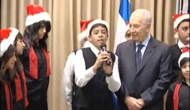 Peres wishes christian world profound christmas greetings president shimon peres in jerusalem m4hsunfo
