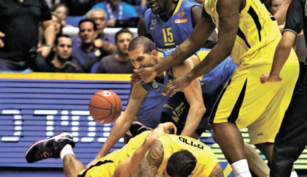 basketball - Seffi Magriso - February 11 2011