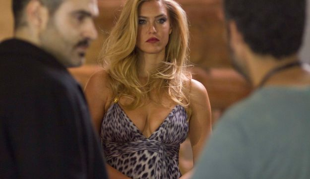Supermodel Bar Refaeli plays a seductress on the film set of 'Kidon' in Eilat, May 1, 2012.