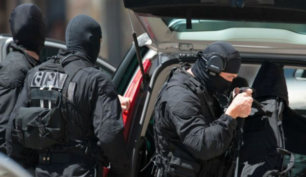 Toulose hostage situation June 20, 2012 (AP)