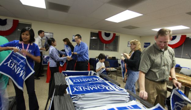 Romney supporters in Florida preparing signs.