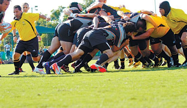 ASA Tel Aviv and the Ra'anana Roosters engaging in a scrum Sept 28, 2012 in Ra'anana.