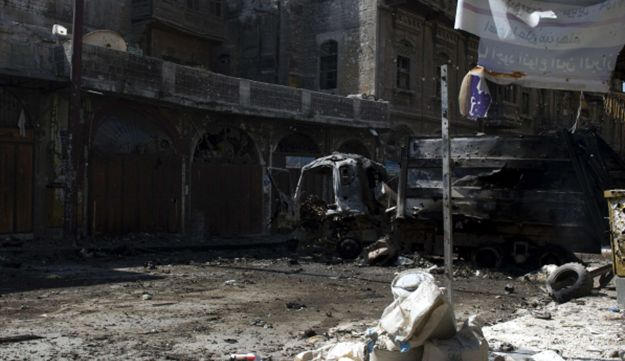 Damaged buildings and streets in the northern city of Aleppo, Sept 28, 2012.