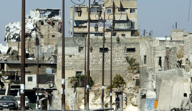 Damaged building in northern Syrian city of Aleppo Sept 28, 2012.