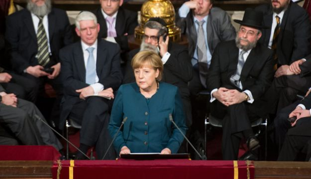 Germany's Chancellor Angela Merkel addresses Great Synagogue of Europe