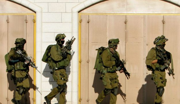 IDF in West Bank - AP - 2006