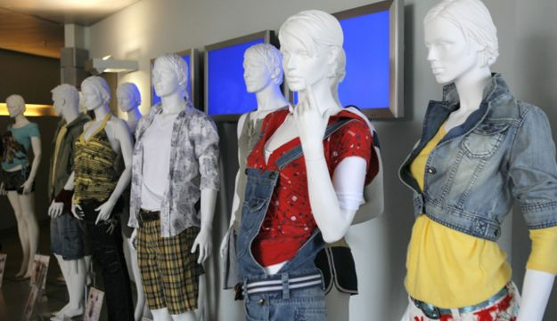 Mannequins displaying Fox clothes.