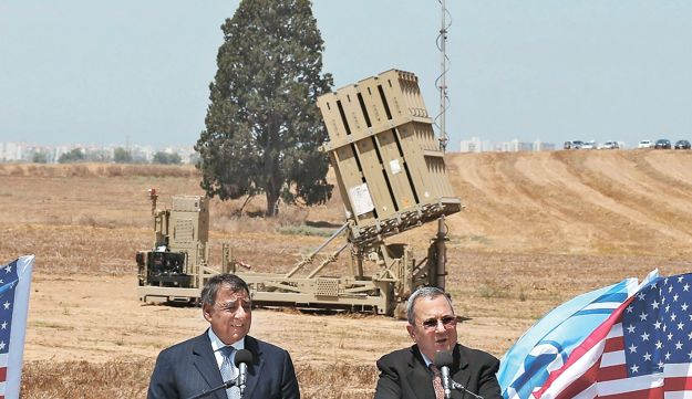 Panetta and Barak in southern Israel