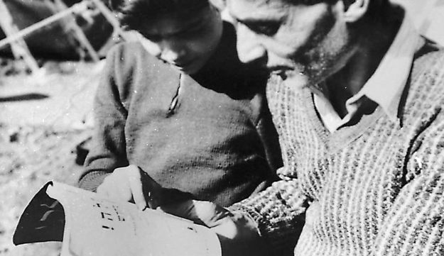 Jewish refugees from Iraq - Pavel Wolberg / Reproduction