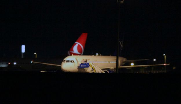 Syrian passenger plane that was forced by Turkish jets to land - AP - 10.10.2012