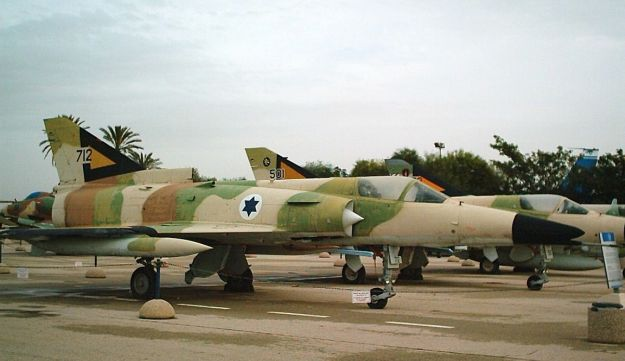 The Remaining Israeli Aircraft Were Refurbished And Exported To Argentine Air Force In Two Batches 26 1978 13 1980 Under Name Dagger