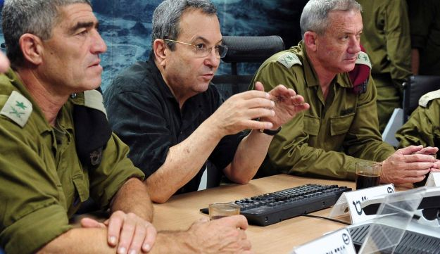 Ehud Barak, center, Chief of Staff Benny Gantz, right, and  Tal Rousso