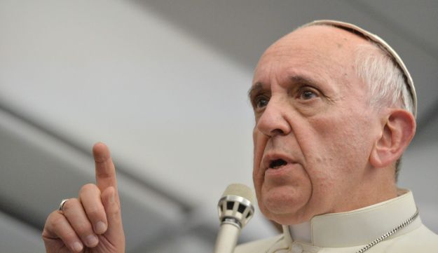 Pope Francis answers reporters questions