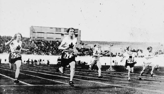 Fannie 'Bobbie' Rosenfeld (second from left) competing at the 1928 Olympics.