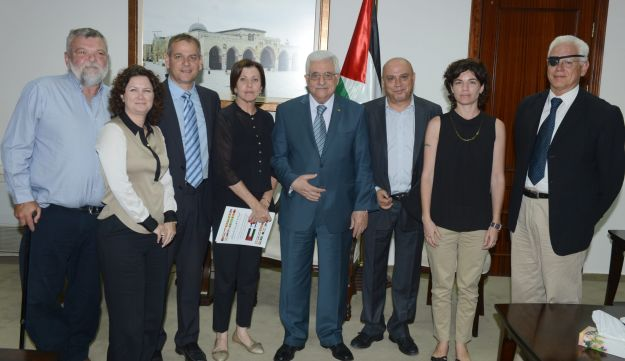 Meretz ministers meet with Palestinian President Mahmoud Abbas on August 22, 2013.