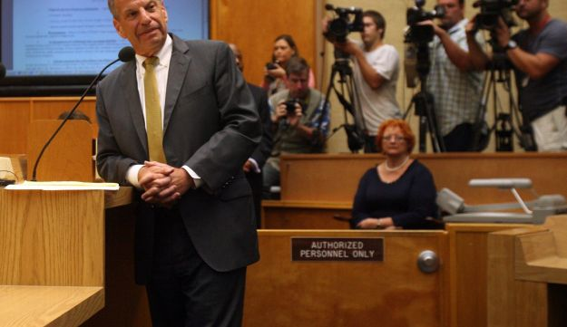 San Diego Mayor Bob Filner announces his resignation to the city council on August 23, 2013.