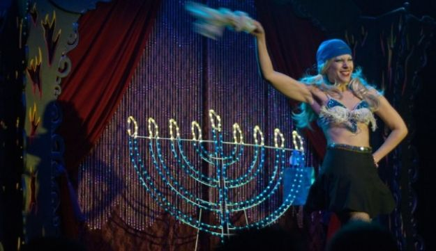 Lighting a Fire: Odessa Lil says she wants to remind audience that Jewish women can be sexy.