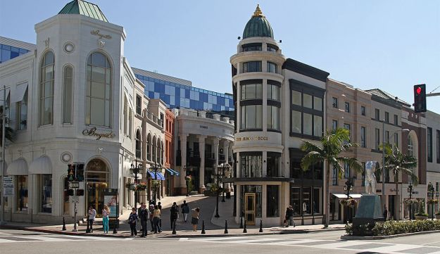 Beverly Hills at the corner of Rodeo Drive, Dayton Way, and Via Rodeo. Los Angeles, California, U.S.