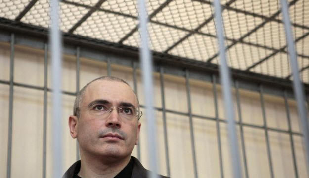 Mikhail Khodorkovsky stands in defendant's cage during court hearing, August 2, 2008