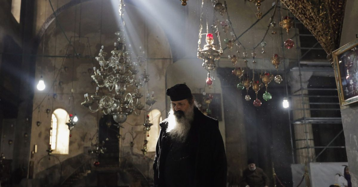 Ringing the bells in Bethlehem, to keep those old Christmas
