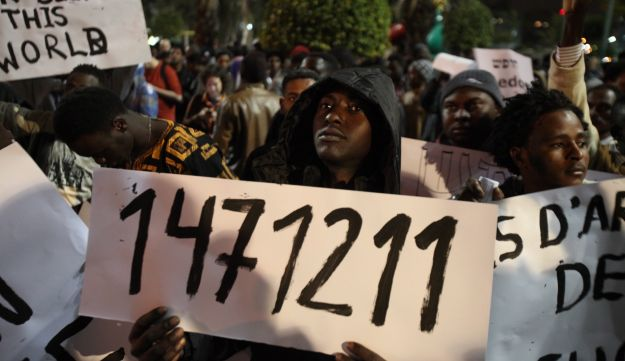 African migrants protest their detention in Tel Aviv