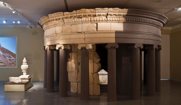 Herod's reconstructed tomb at the Israel Museum (Elie Posner)