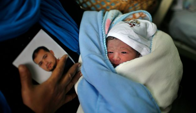 Palestinian boy born from smuggled sperm - Reuters