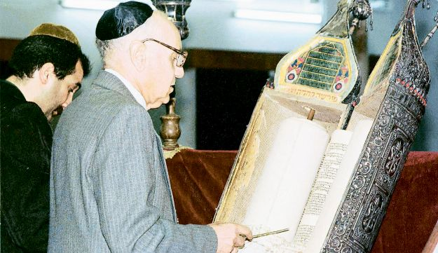 This file photo shows Tawfiq Safeer preparing for prayer in the synagogue of Baghdad.