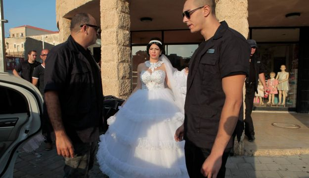 jewish guy dating a muslim girl Jewish man, muslim woman get married in canada by  web desk wednesday feb 15, 2017  a muslim woman and jewish man in canada, by marrying each other, .