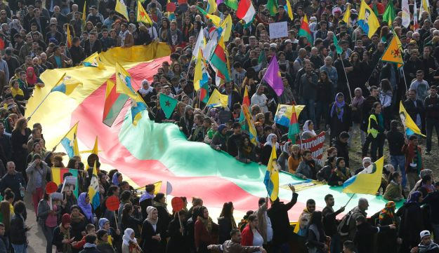 Thousand of Kurds protest against Islamic State in Germany