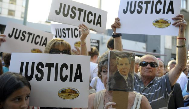 People protest against the death of Alberto Nisman, Jan. 21, 2015.