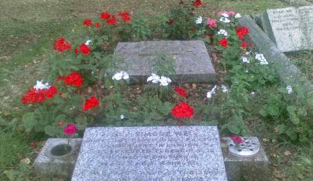 Simone Weil's grave, in Kent.