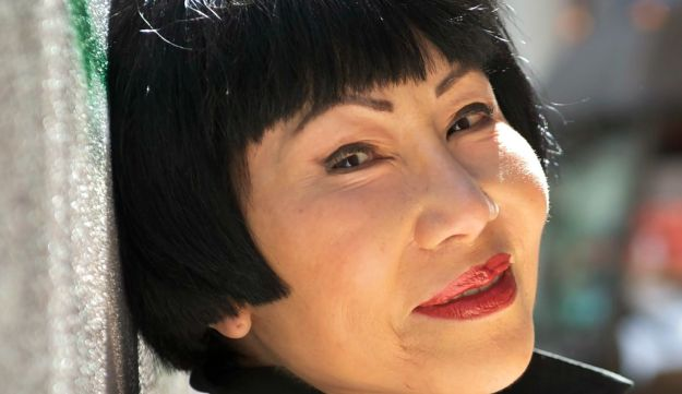 family and amy tan Amy tan was born in 1952 to chinese immigrant parents and grew up in northern california tan's mother (the subject of her second novel, the kitchen god's wife) suffered at the hands of a .