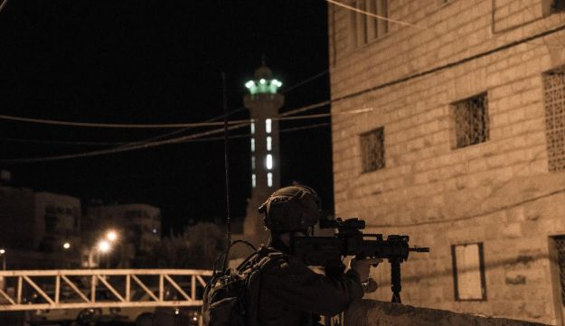 An IDF soldier active in Hebron on the morning of July 3, 2016.