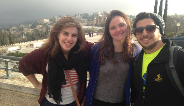 Emma Court (left) during her Birthright trip to Israel.