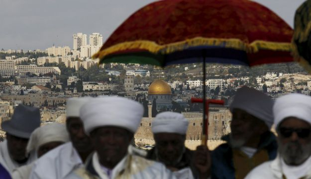Members of the Ethiopian Jewish community in Israel pray during a ceremony marking the holiday of Sigd in Jerusalem November 11, 2015.