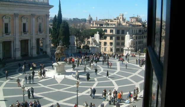 """A view of the Capitoline Hill in Rome from the Piazza del Campidoglio: Ernesto Nathan proposed to connect the three palaces with bridges, horrifying purists. To which he rebutted: """"Michelangelo altered other people's buildings, why should I not alter his?"""""""