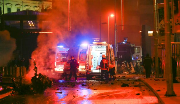 Police arrive at the site of an explosion in central Istanbul, Turkey, December 10, 2016.