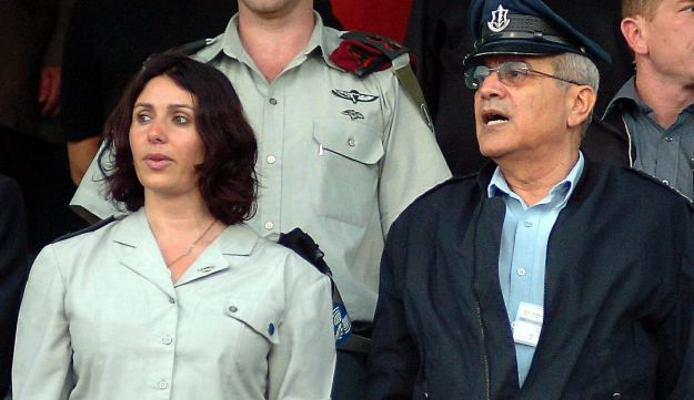 Colonel Miri Regev during the period she served as Israel Defense Forces Spokesperson, standing next tothen Chief of Staff Dan Halutz, at a ceremony.