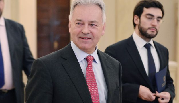 Senior British Foreign Office official Alan Duncan is seen prior to a meeting in Athens on January 5, 2017.