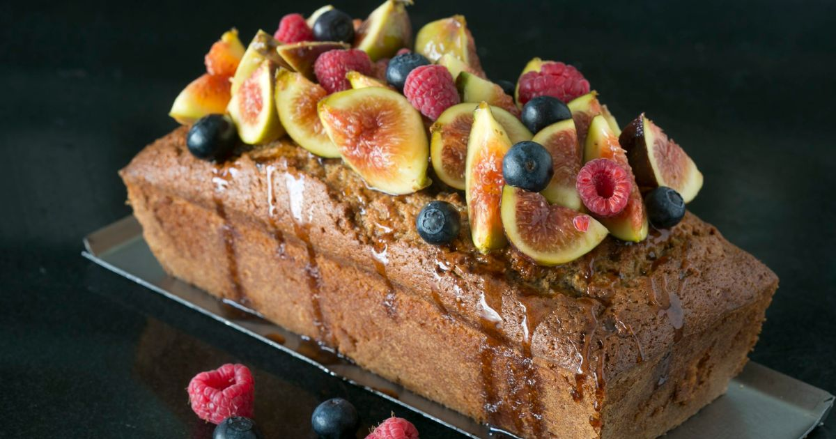 For a sweet Rosh Hashanah: Rum-soaked date, fig and date-honey cake