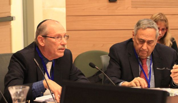 Dov Zackheim (left) and Steven Bayme at a Knesset committee meeting, January 9, 2017.