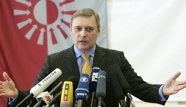 Former Russian Prime Minister Mikhail Kasyanov speaks during a news conference in his office in Moscow January 27, 2008.
