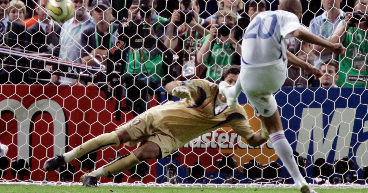 Photos of the world cup final 2006 penalty shootout italy v france